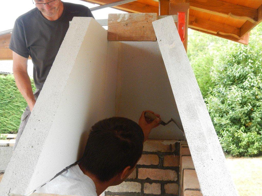 Construction d un four pizza pain barbecue four de for Utilisation du beton cellulaire en exterieur